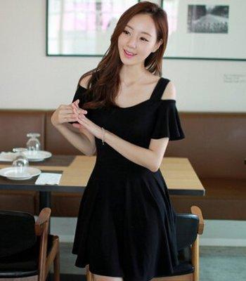 新款韓國時尚百搭超美露肩連衣裙(黑色) J-12695
