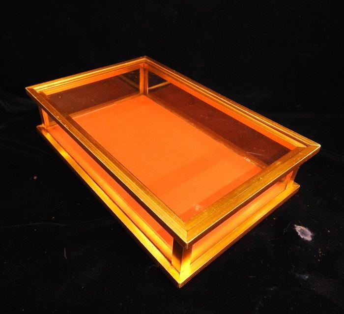 *阿威的藏寶箱*【特價 早期 人參玻璃展示盒 鋁製 珍貴中藥材玻璃盒】品相優 保存良好