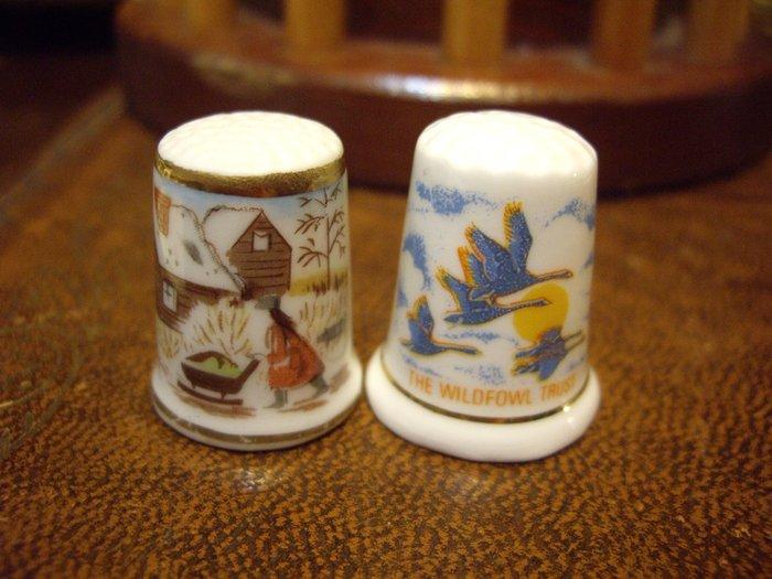 歐洲古物時尚雜貨 骨瓷頂針 造型頂針 手推車  飛鳥 縫紉飾品 指套 擺飾品 古董收藏 一組2件