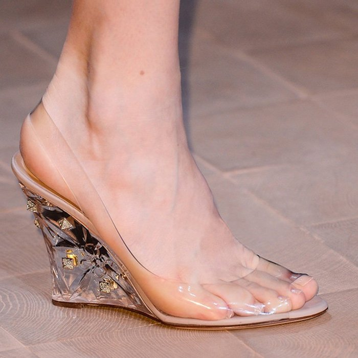 【MISS.LENG】新款水鑽坡跟高跟鞋涼鞋水晶鞋透明女鞋( 透明色)34-39碼 注意偏小半碼