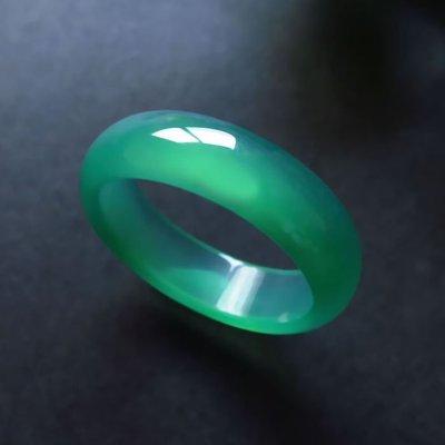 純天然瑪瑙戒指紅玉髓戒子水晶白黃黑綠瑪瑙男女情侶款賭神指環CXZJ