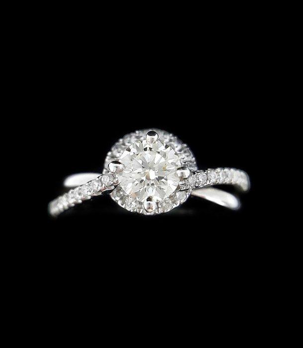 (賀成交)天然鑽石戒指 0.53克拉 女戒