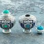 嗨,寶貝銀飾珠寶* 收藏☆925純銀飾品 泰國工藝清邁手工創作 雙面設計景泰藍烤瓷工藝純銀把玩 鼻煙壺 湛藍錦鯉平安小壺