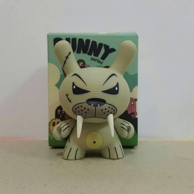 【DUNNY】 2009年 3吋 Dunny Endangered Series 設計師 Kozik