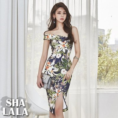 SHA LA LA 莎菈菈 韓版性感單肩露肩一字領修身顯瘦印花開岔無袖連衣裙洋裝(S~XL)2019031616預購款