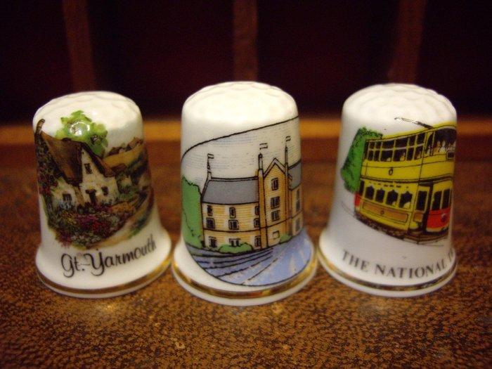 歐洲古物時尚雜貨 骨瓷頂針 造型頂針 房屋建物 電車 縫紉飾品 指套 擺飾品 古董收藏 一組3件