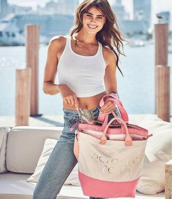【菲菲美國舖】時尚子母包。現貨~* Victorias Secret*~輕便大容量❤俏麗帆布保冷海灘包/健身/媽媽包