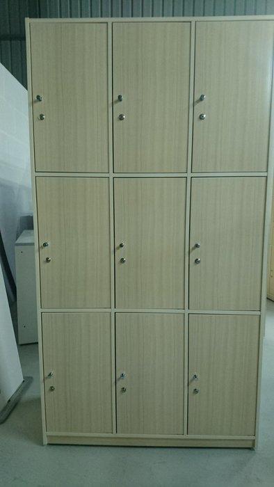 【承鑫家具】南亞塑鋼系列 尺寸皆可手工訂製 來電0422229000 員工置物櫃 多人置物櫃 置物櫃客製化 塑鋼置物櫃