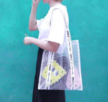SeyeS  90年代復古可愛笑臉pvc透明網格防水肩背/斜背包