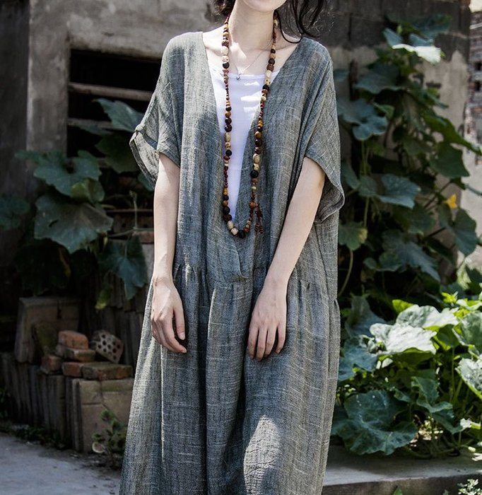 【子芸芳】原創設計 亞麻色織深V領寬鬆復古連衣裙袍子