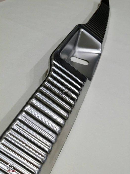 豐田 Previa 2.4 / 3.5 專用不鏽鋼後車箱內門檻 後門檻 防刮 耐髒 美觀 高質感 直貼上 A3