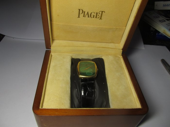 收藏家之25  PIAGET是伯爵18K 機械錶 寶石面 11/30日已轉售港商張老闆