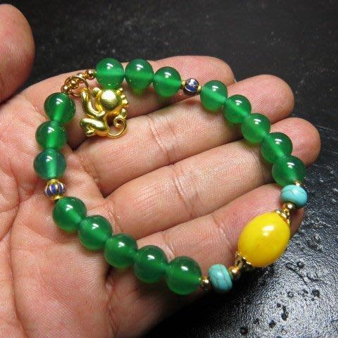 【競標網】高檔天然漂亮綠玉髓8mm造型手珠(超低價起標、價高得標、限量一件、標到賺到)