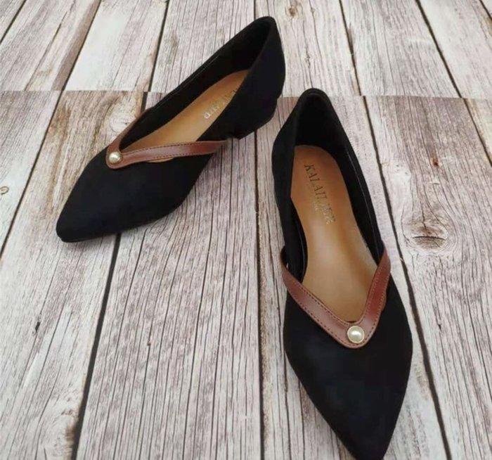 舒服的一雙黑色的低跟鞋size:39