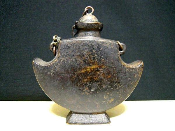 清朝西藏銅胎聖山鼻煙壺-法利堂-直購價23000元.保證真品