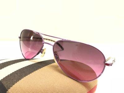 Burberry經典不敗的飛官款太陽眼鏡