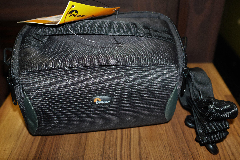LOWEPRO Format 110 側背相機包 斜背攝影包 類單適用