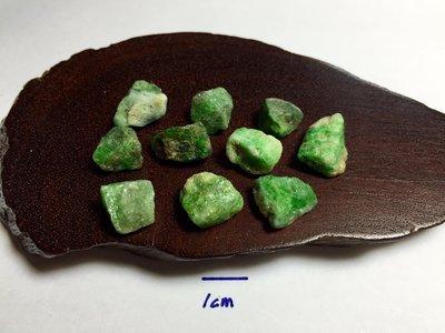 【Texture & Nobleness 低調與奢華】礦物展區 原礦 標本 -沙弗萊-12.42克