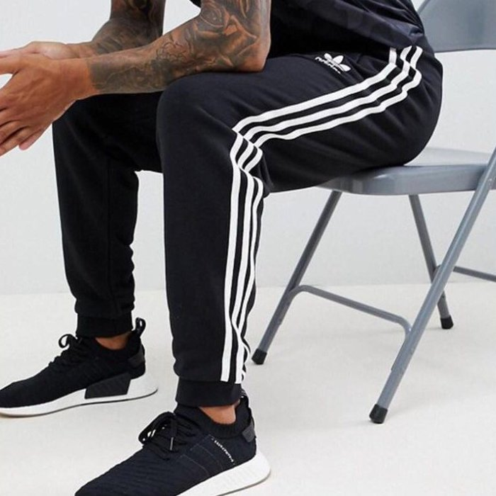 DH5801 Adidas 三葉草 愛迪達 黑/白 三條杠 束腳褲子 學生褲 運動長褲 男女情侶款 正韓長褲 街頭潮