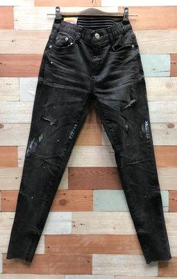 WINDY個性㧓破潑漆丹寧窄管褲(黑牛仔色)(薄牛仔布)