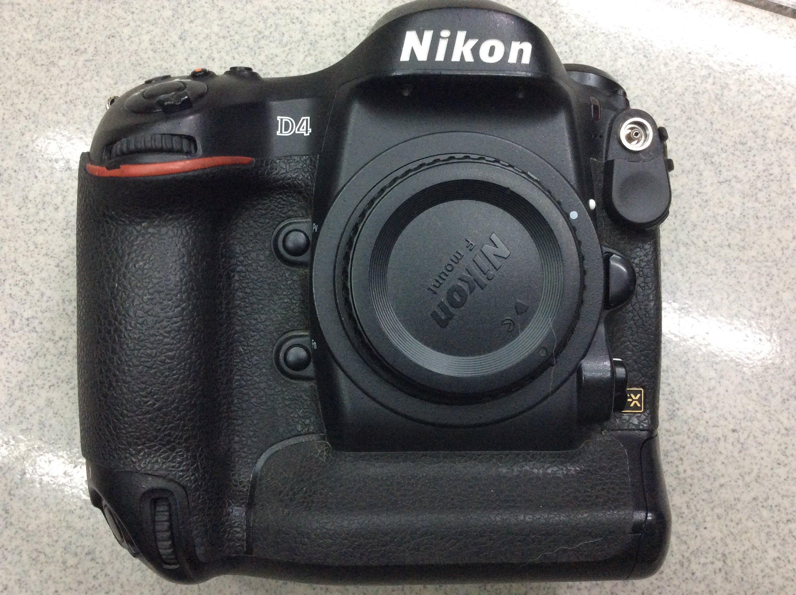 【明豐相機維修】NiKON D4 單眼相機 十字功能鍵 維修服務 更換 D4S D2X
