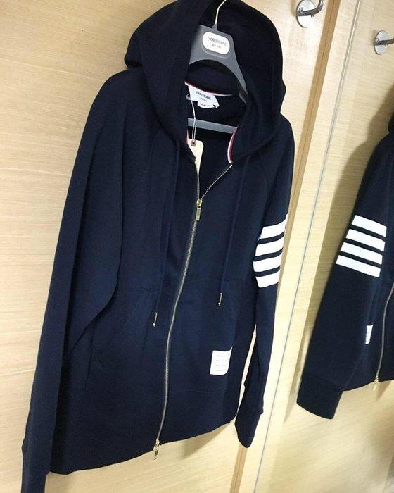 [ 羅崴森林 ] THOM BROWNE新品SS20現貨海軍藍連帽外套012345號
