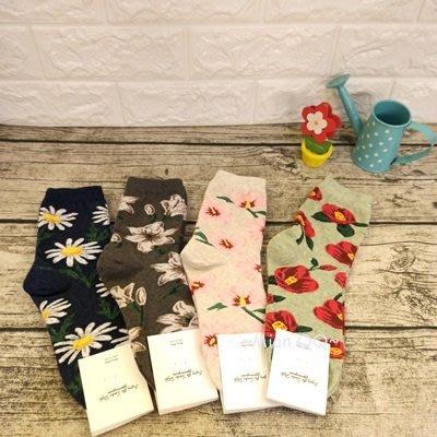 。~ Mian QQ~。 滿版花朵  20-26cm 短襪 正韓貨 ㊣ 韓襪 韓國襪子 W