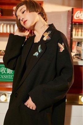 【黑店】原創設計 訂製款蝴蝶刺繡寬鬆西裝外套 個性翻領西裝外套 男女同款寬鬆西裝外套 休閒西裝外套 情侶外套 YR101