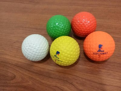 **高爾夫球 顏色:橘.黃   台灣製 顏色亮眼 歡迎參考