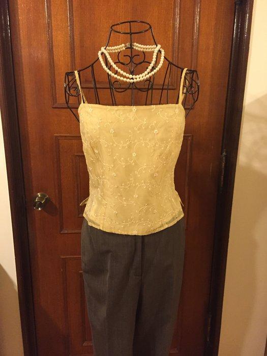 氣質甜美設計 米白色細肩帶刺繡背心 (促銷商品)