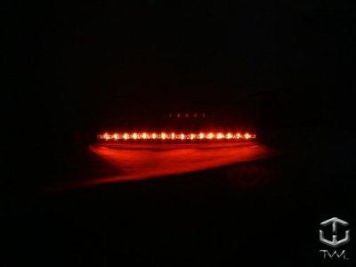《※台灣之光※》全新通用型28顆LED紅色第三煞車燈BENZ W124 W129 W140 W202 W203 W208 W168 A160 A190
