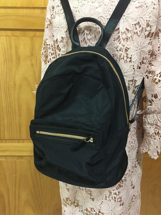 韓國時尚 ❤️  輕便黑色防潑水尼龍材質後背包
