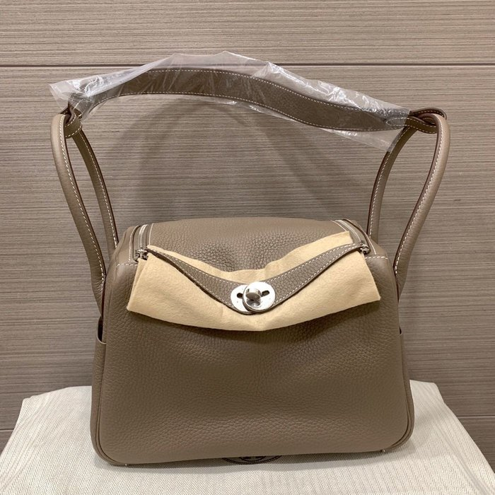 J-Shop Luxury 精品店 Hermes 26cm Lindy Etoupe大象灰 銀釦 D刻