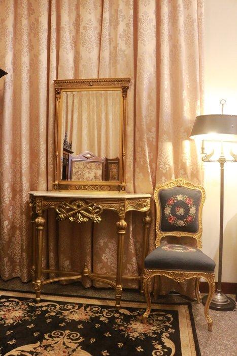 【家與收藏】特價極品稀有珍藏歐洲古董英國攝政時期風格華麗精緻手工木雕花玄關大桌鏡/掛鏡