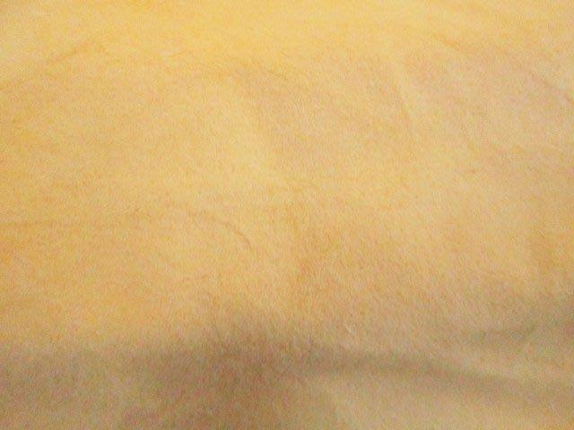 七三式精品公社之韓國進口絨布鵝黃色超柔軟絨(抱枕.地毯座墊房屋佈置訂做中ㄛ!)