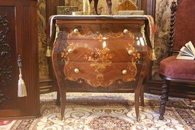 【家與收藏】特價稀有珍藏歐洲古董義大利古典華麗精緻手工Inlaid木拼花銅金鑲嵌邊櫃/置物櫃