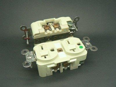 《大慶電料》HUBBELL醫療級插座 250V 20A 8400 + 插座蓋板 SS8雙座