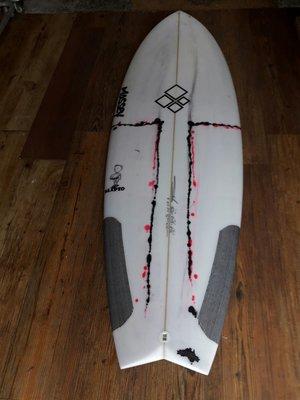 Massy  衝浪板 長板 短板 魚板 滑板 趴板 surfboard