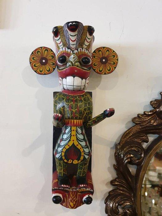 【卡卡頌 歐洲跳蚤市場/歐洲古董】※活動特價※老手工雕刻 手工彩繪 繽紛 人像木頭雕刻掛飾 擺飾 收藏w0184✬