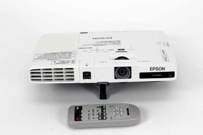 【開心驛站】二手EPSON EB-1776W  3000流明投影機