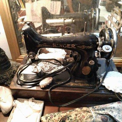 美國古董SINGER勝家縫紉機 復古裁縫機 [Others-0259] 復古家飾 老件 擺飾 裝飾品 雜貨 二手 古道具