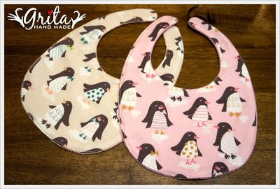 ♥gritas handmade♥純棉手作嬰幼兒圍兜兜/領巾/口水巾/三角巾/彌月禮—可愛企鵝
