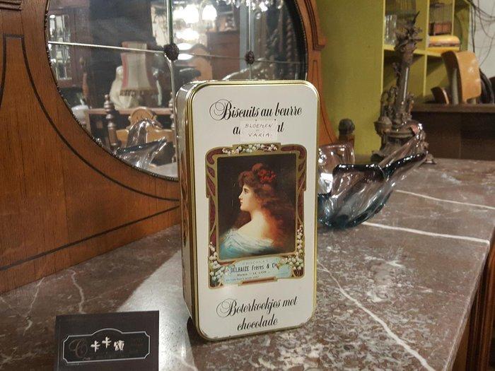 【卡卡頌 歐洲跳蚤市場/歐洲古董】歐洲老件_美女肖像 老鐵盒 餅乾盒 小物收納盒 m0528 提供租借✬