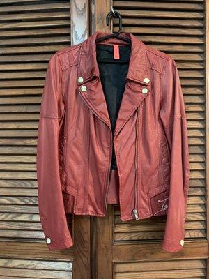 【專櫃TOUGH Jeansmith】二手衣-紅色小羊皮皮衣(下擺刺繡tough ladies)