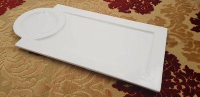 白色長方形 圓形出餐瓷盤 沙拉 牛排 輕食三明治 鬆餅 生菜 水果-營業萬用盤