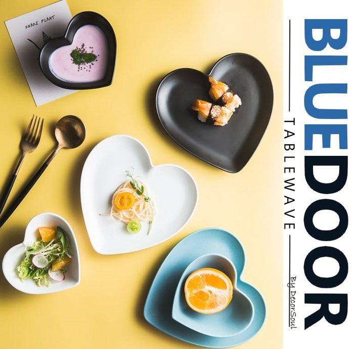 BlueD_ 平光 陶瓷 愛心 造型 淺碗 小菜碟 醬料碟 小菜碗 優格碗 甜點碗 沙拉 點心 北歐風創意設計裝潢網美風