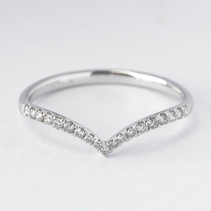 【JHT金宏總珠寶/GIA鑽石專賣】0.13克拉小鑽線戒 #10 /材質:18K(DR1513K-1)