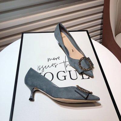 朵朵韓國鞋專賣~2021春季新款顯瘦尖頭絨面中跟女鞋仙女風水鉆圓扣蝴蝶結細跟單鞋