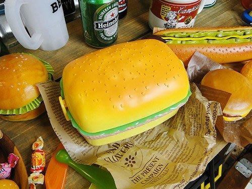 (I LOVE樂多)美國進口 潛艇堡造型餐盒 野餐 餐具 裝飾擺飾送禮皆可