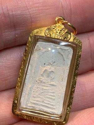 龍婆Peung 2460-2462 百年聖粉流行模7層法座崇迪
